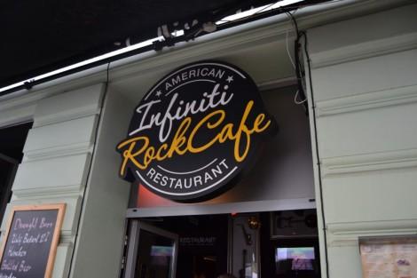 INFINITI ROCK CAFE (Esterno)
